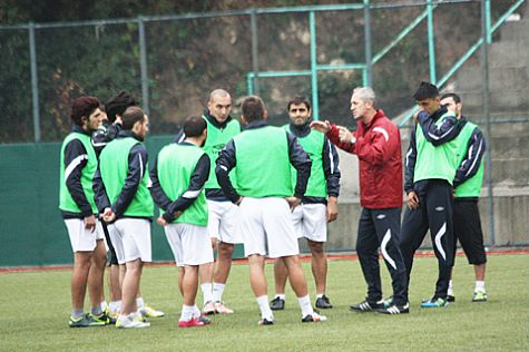 YENİ HEDEF PLAY-OFF