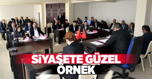 SİYASETE GÜZEL ÖRNEK